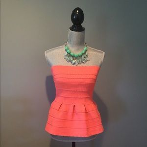 Tops - Coral tube top